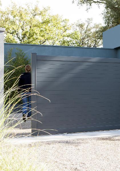 Portail alu portail aluminium for Portail exterieur sur mesure