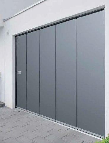 Porte de garage sectionnelle à ouverture latérale, grise anthracite